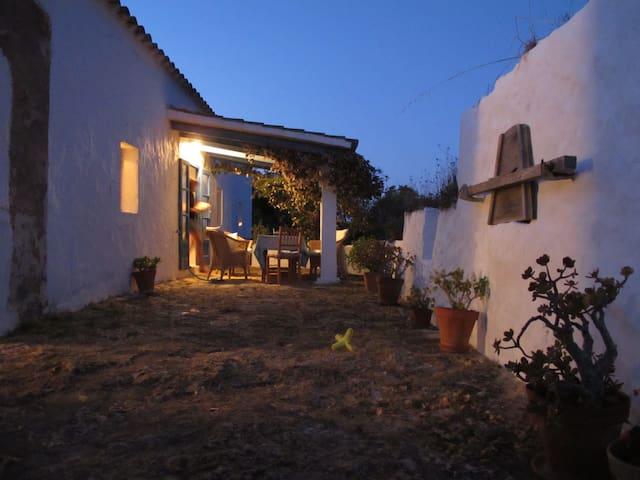 ANTIGUA CASA DE PAYESES - Sant Francesc de Formentera - House