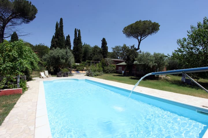 The Writers' Villa - 5BR/4BT with Swimming Pool
