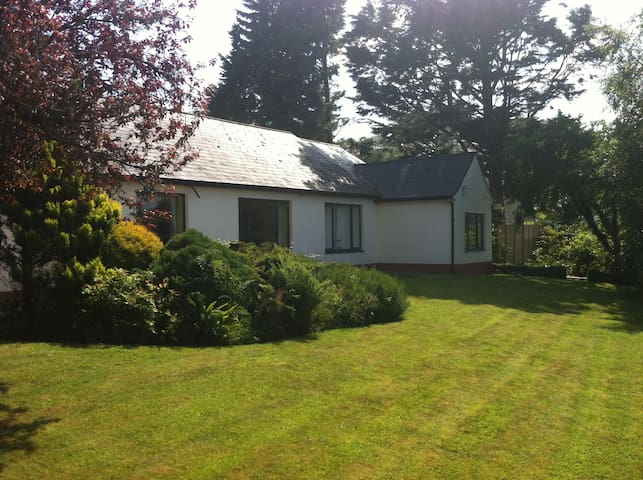 Lakeside Cottage, Lough Corrib - Oughterard