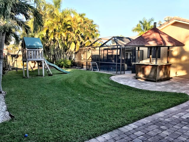Affordable Family Home for your South FL Vacation!
