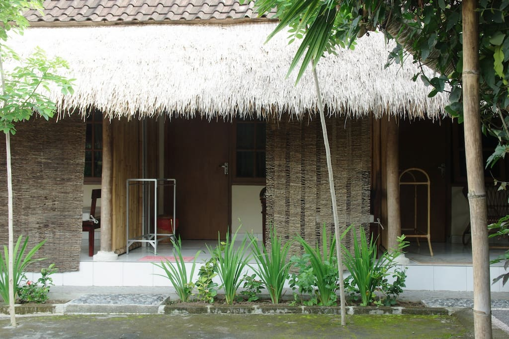 Stay at Balinese natural design room