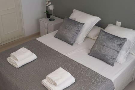 PRIVATE DOUBLE ROOM IN IBIZA - Ίμπιζα