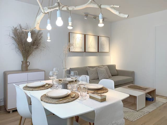 2 bedrooms Natural style house private parking