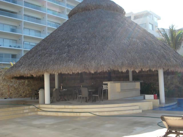 Departamento con club de playa privado