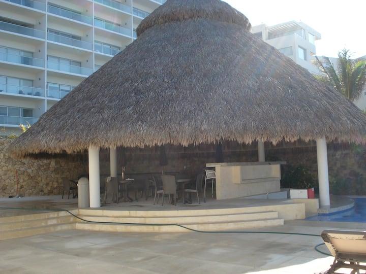 Departamento con club de playa privado