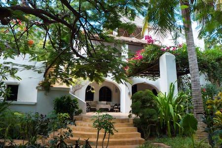Bislet House Shela - Shela - House
