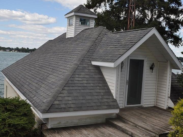 Diamond Lake Tiny Cottage