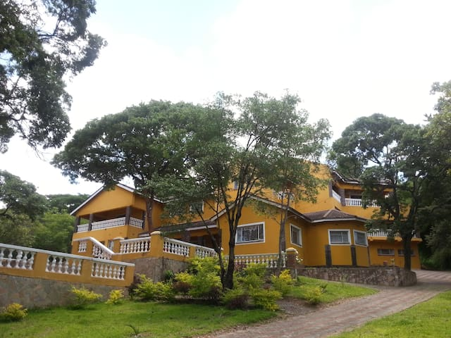 Masumburero Lodge