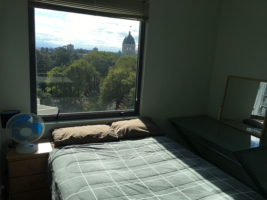 Generous double room, views, desk, built-in wardrobe