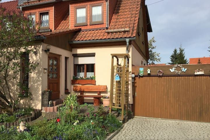 Apartment with balcony in the Thuringian Forest near the Rennsteig
