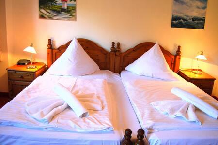 Hotel Heiderose auf Hiddensee, DZ 22  3