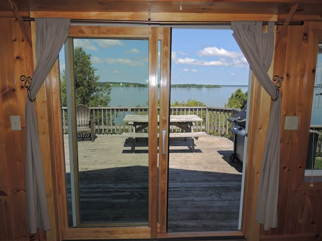 Delightful water view 3 bedroom cottage (#5)