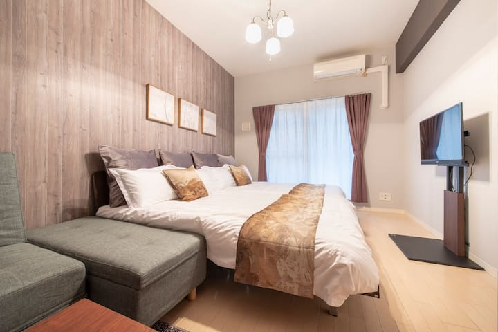 Osaka cozy room for 6!Shinsaibashi Free Wifi! #402