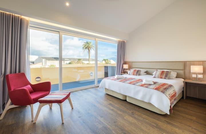 Casa Amarela 30-32 (Azores Premium at city center)