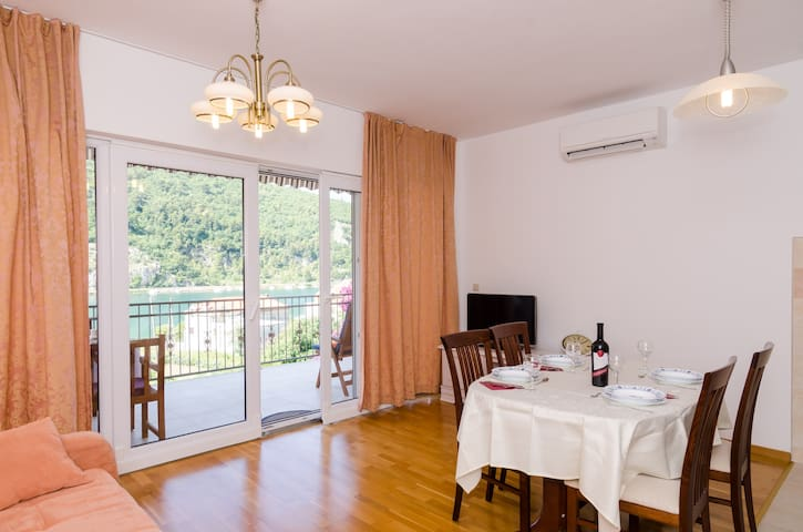 Marela - Apartment with Balcony and Sea View - Prijevor