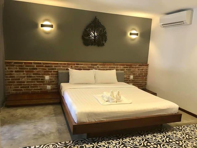 Bunleap's Charming Loft Apartment + Free Pick Up