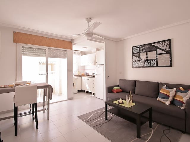Southfacing apartment in the heart of Torrevieja! - Torrevieja - อพาร์ทเมนท์