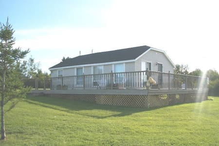 Water View Cottage with Large Deck - Montague