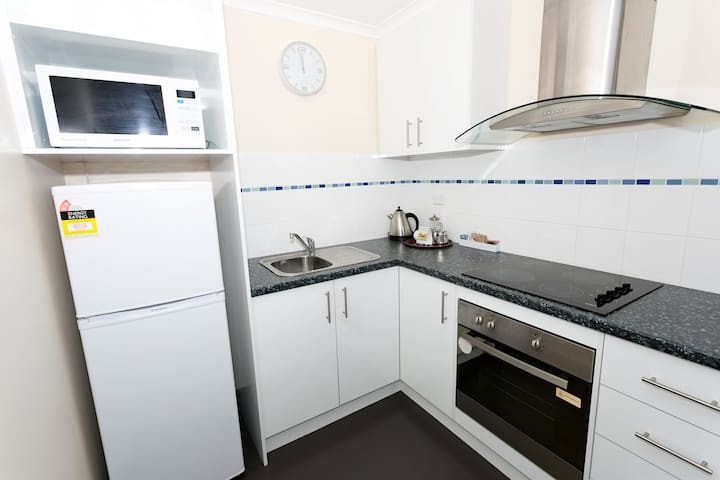 1 Bedroom Executive Kitchen HirRes