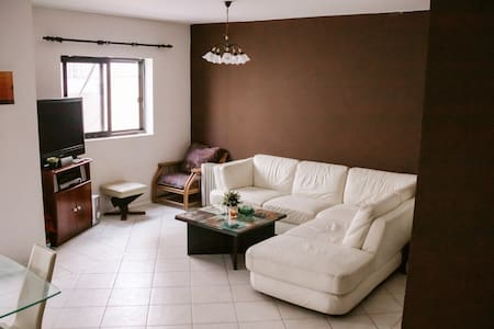 Cosy Double Room in Spinola Bay, St. Julians