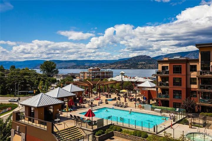 Mountain View Penthouse Condo with Outdoor Pool