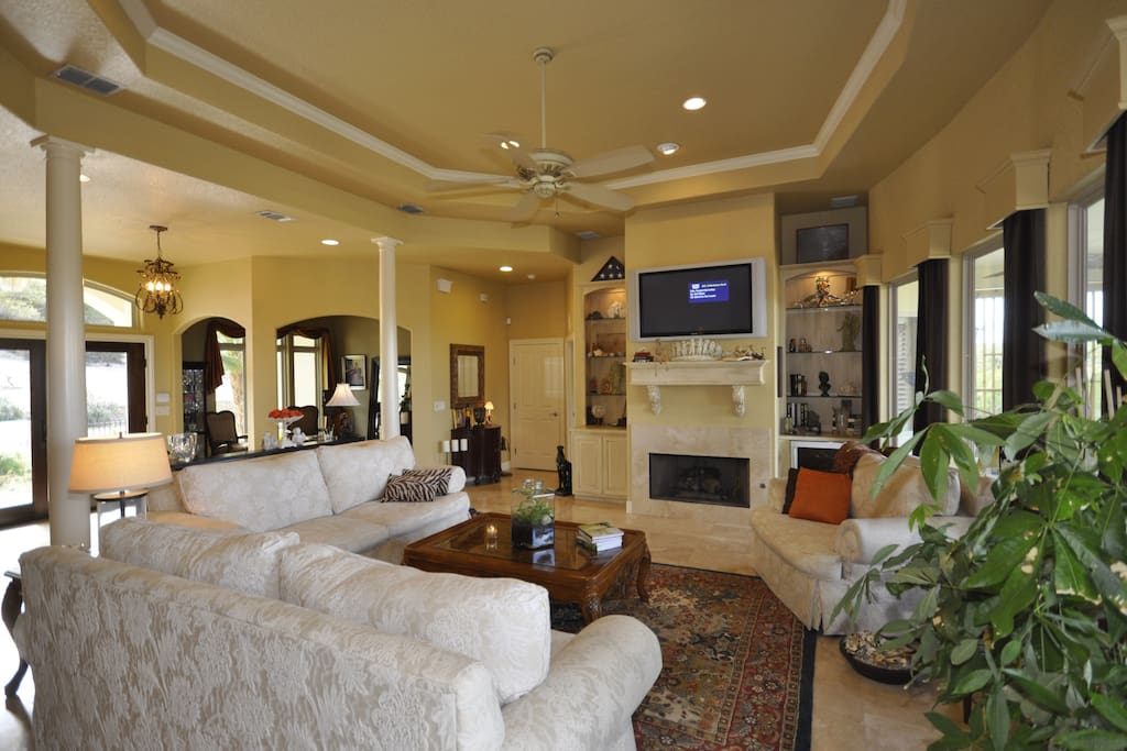 Open spaces!  Great for gatherings