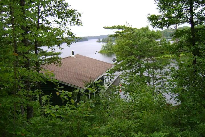 Ponhook Lakefront Cottage