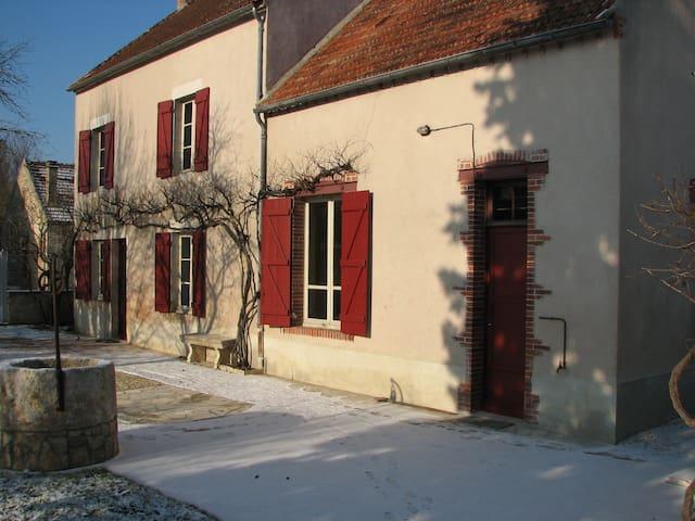 maison de caractère Bourguignone - Saint-Moré - House
