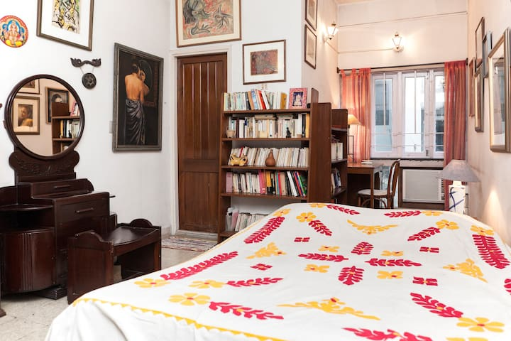 Independent room near the lakes - Kolkata - Apartamento