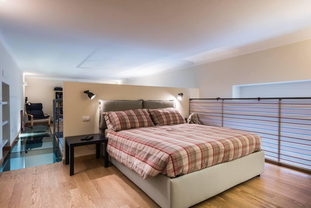 Loft su 3 piani zona sant 39 ambrogio loft in affitto a for 4 piani di camera da letto 2 piani