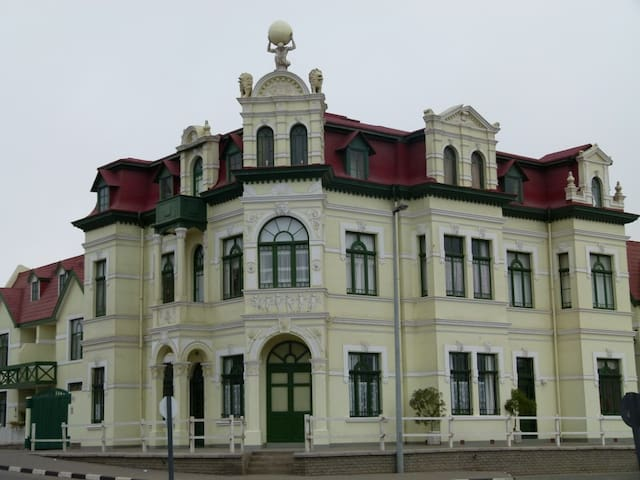 Historical Building in the Heart of Swakopmund - Swakopmund - Daire