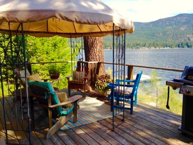 Cedar Lakefront Cottage on Christina Lake BC - Christina Lake - Cabin