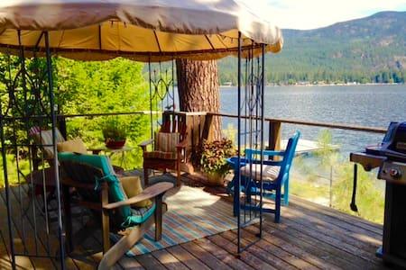 Cedar Lakefront Cottage on Christina Lake BC - Christina Lake - 小木屋