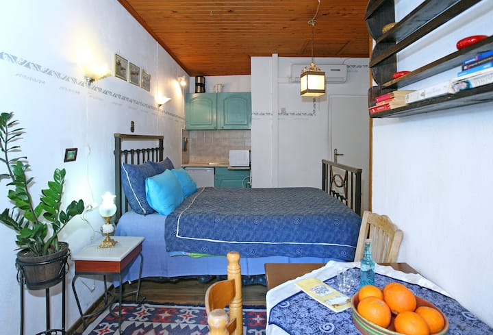 Small Apartment in the old town , old habour