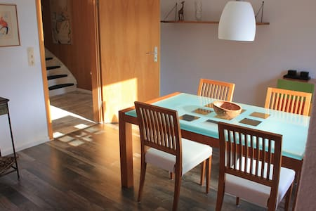 Behagliches Haus/Wohnung + Terrasse - Bremerhaven - Rumah