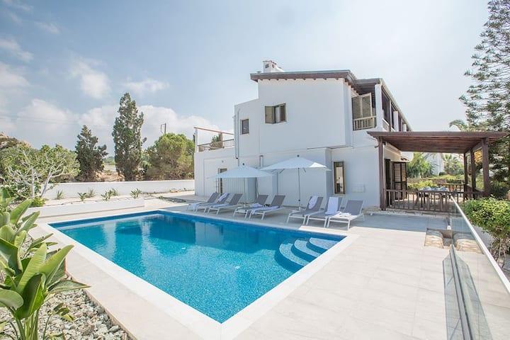 Ayia Napa Holiday Villa MO3