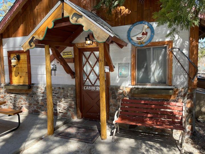 24 Studio honeymoon cottage optional $39 spa king