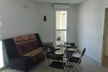 Flat 36m2 + garage, directly for the beach by TRAM