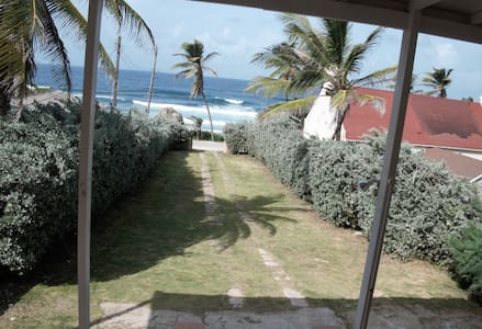 Surfers Haven, 3bd by the beach in Bathsheba - Bathsheba - Huis