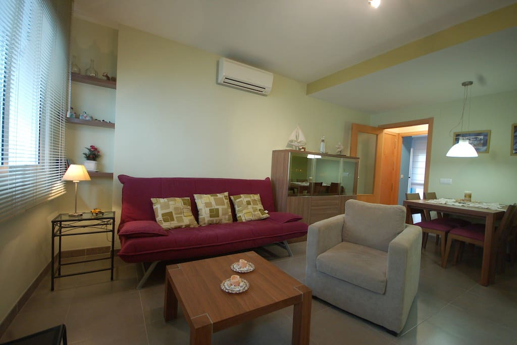 Living room equipped with AC and Wifi!