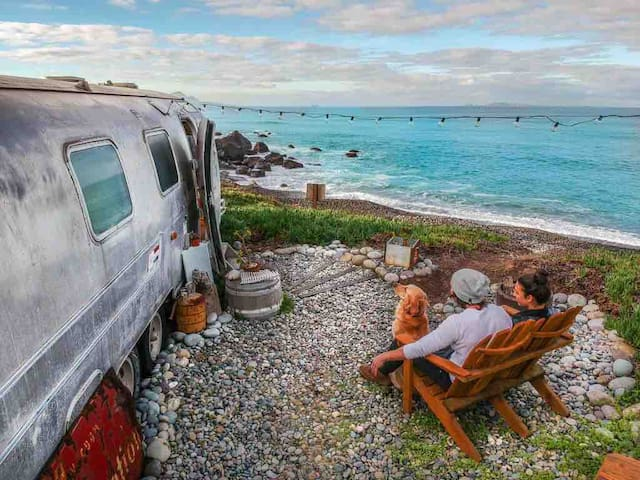 Eco Gastro Beach Airstream