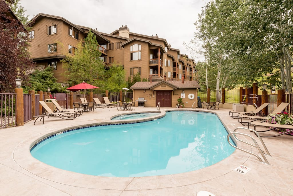 The Antlers offer a pool and multiple hot tubs for relaxation right outside your door.