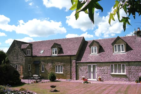 Cotswold Stone Barn for a relaxed stay - Little Rissington