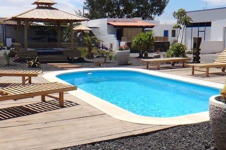 Tiki Loft 4 pers wifi piscine park