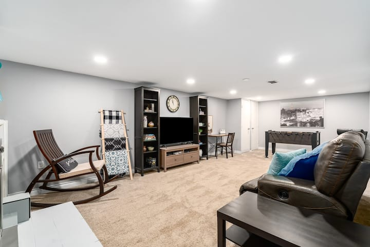 Lakewood Basement Guest Suite Private Entrance