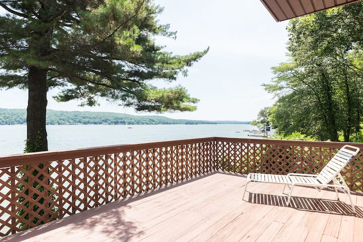 Lakefront Getaway! Dock and Deck, WFH Paradise