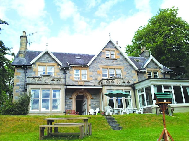 The Ossian 5 person Room - Kincraig - Bed & Breakfast