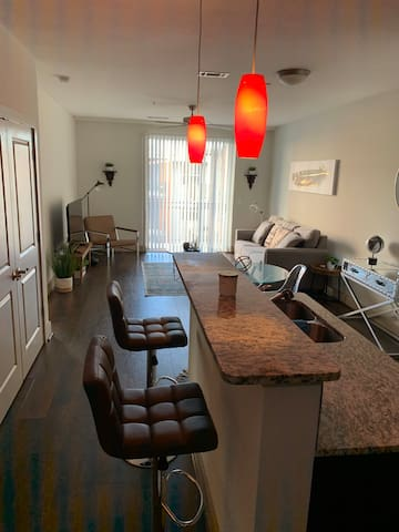 Courtyard & Skyline view centrally located