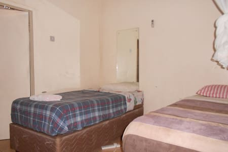 Comfort Corner Guest House - Livingstone - Bed & Breakfast