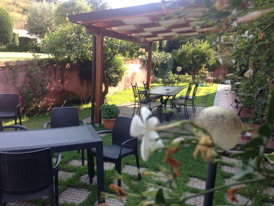 acitrezza catania etna il giardino di paola